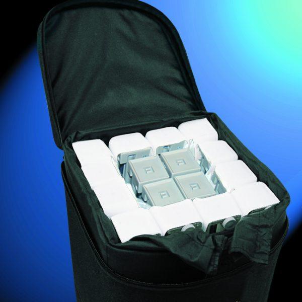 Velcro popup dans sa valise à roulettes